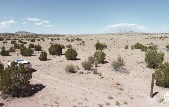 80 acres outside of Seligman, AZ – Less than 5 minutes to Grand Canyon Caverns!